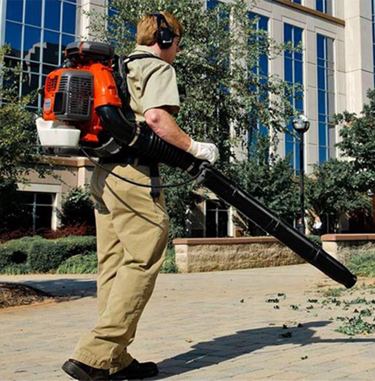 Image of leafblower